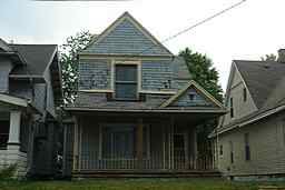 1680  WESTERN AVE Photo type: Primary View 2007